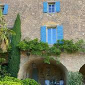 🤍  É L  É G A N C E 🤍  #chambredhotes #bedandbreakfast #uzes #provence #gard #lefooding #southoffrance