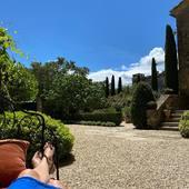 💙 F A R N I E N T E 💙  #chambredhotes #bedandbreakfast #uzes #provence #gard #lefooding #southoffrance