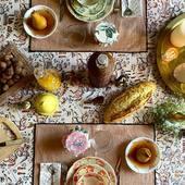 Petit déjeuner automnal,   🍁Poires pochées cannelle, verveine et poivre🍁 🍁Flans lait d'épeautre-noisettes aromatisés à la fleur d'oranger 🍁 🍁Pancakes accompagnés de pommes caramélisées 🍁 🍁Pain au maïs 🍁 Beau dimanche à vous !  #chambredhotes #guesthouse #maisondhotes #lefooding #weekend #uzes #southoffrance #slowlife #maisonpleinsud