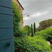 🤍 G R i S 🤍   #chambredhotes #bedandbreakfast #uzes #provence #gard #lefooding #southoffrance