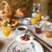 Prenez le temps... @maison_plein_sud le petit déjeuner est l'un des meilleurs moments de la journée !   #chambredhotes #bedandbreakfast #uzes #provence #gard #lefooding #southoffrance